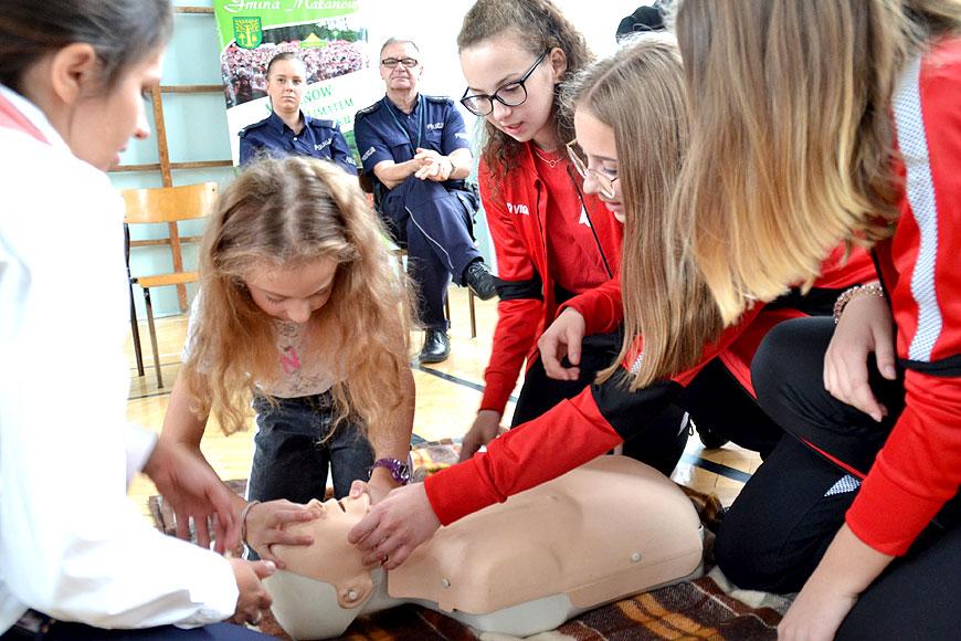 Słyszałeś? Reaguj, pamiętaj! - akcja profilaktyczna dla młodzieży w gm. Malanów - foto: malanow.pl
