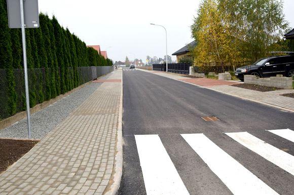 Gm. Kawęczyn: Zakończono przebudowę drogi w...