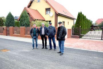 Gm. Kawęczyn: Zakończono przebudowę drogi w Kowalach Pańskich - Kolonia