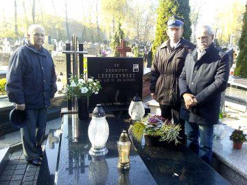 Turkowscy strażacy pamiętają o zmarłych kolegach