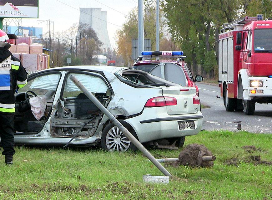 Kolizja Laguny i samochodu ciężarowego na ul. Górniczej