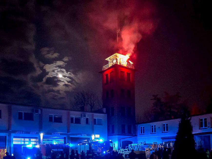 Strażacy z OSP i PSP uczcili Narodowe Święto Niepodległości