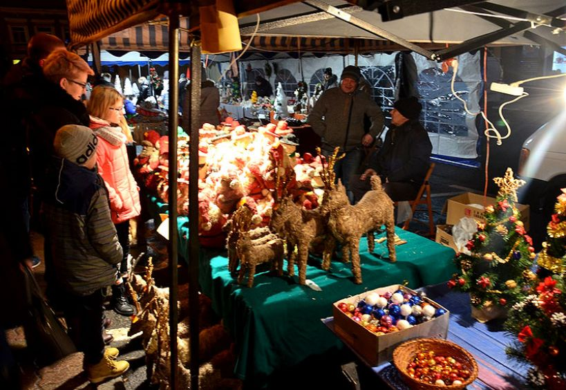 Kiermasz Bożonarodzeniowy z LGD Tur tym razem w rynku przez dwa dni! - foto: Archiwum Turek.net.pl
