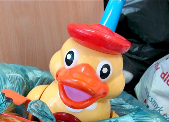 Miasto Turek: Wideo: Kolejne zabawki trafiły na akcję Podarujmy dzieciom święta