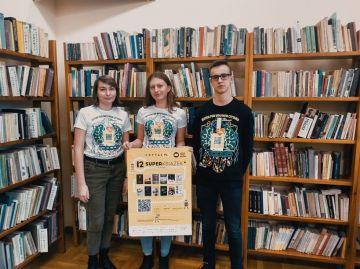 Licealiści z Turku zachęcają do czytania -...