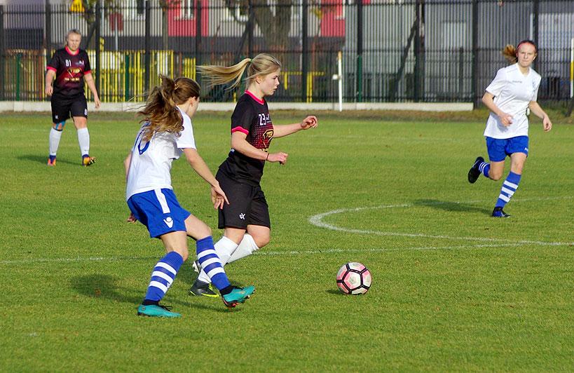 Dziewczęta z LFA Turek remisują z Lechem Poznań - foto: Ireneusz Oleksy