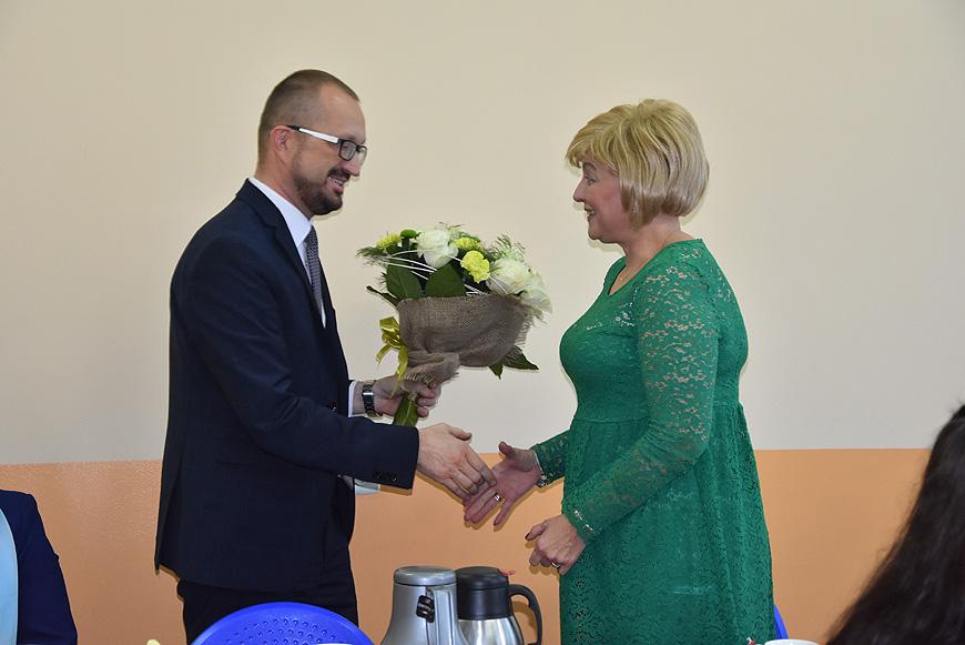 Kwiaty i podziękowania czyli obchody Dnia Pracownika Socjalnego.