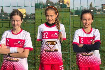 3 zawodniczki Ladies Football Academy Turek...