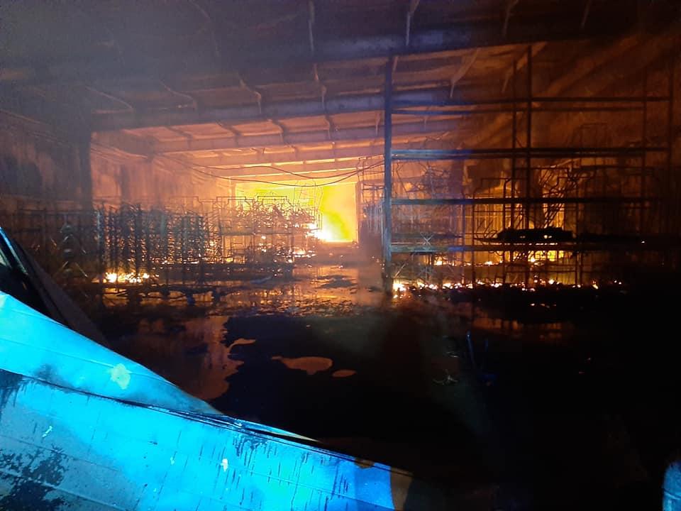 Pożar w PROFIm. PSP podsumowało działania strażaków - foto: OSP Turek