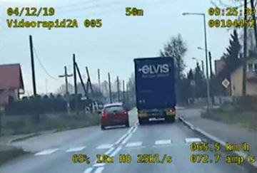Wideo: 25 wykroczeń przy przejściu dla...