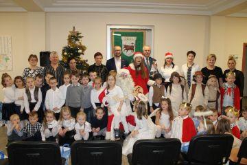 Wideo: Święty Mikołaj i Jasełka w Urzędzie...