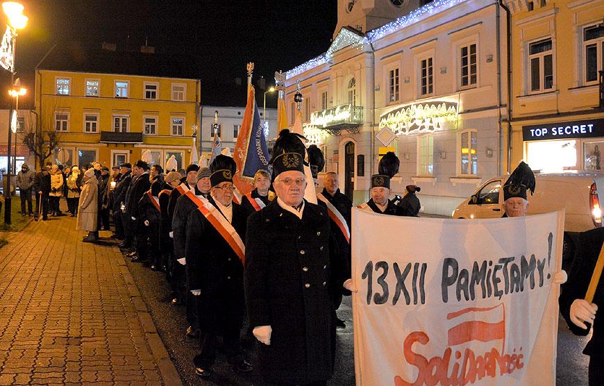 Uczcili 38 rocznicę wprowadzenia Stanu Wojennego - foto: Starostwo Powiatowe w Turku