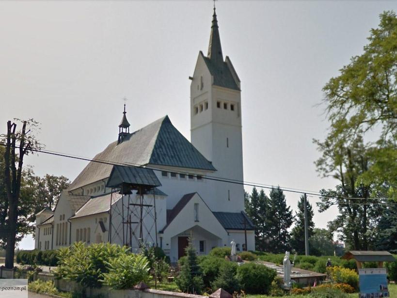 Proboszcz z Psar wezwany przez Biskupa. Kuria Włocławska wydała oświadczenie - Kościół w Psarach | foto: Google Street View