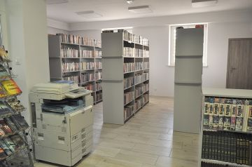 Malanów z odnowioną biblioteką.