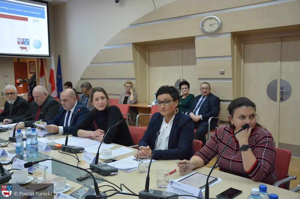 XVII Sesja Rady Powiatu Tureckiego. Zmiany w Komisji Rewizyjnej - fot. Powiat Turecki