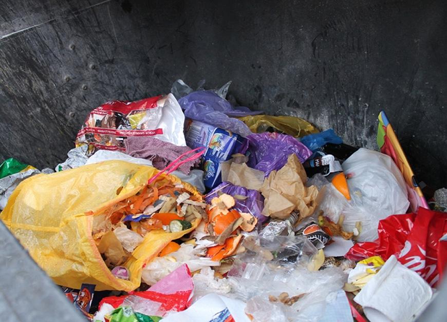 Problem z segregacją w Turku trwa. Urząd Miasta wszczyna kontrole śmieci - foto: UM Turek