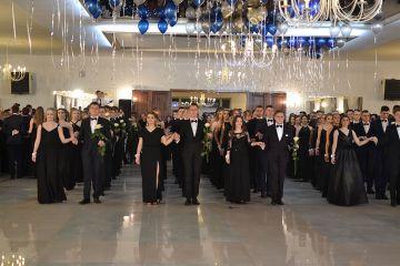 Foto: Imponujący polonez maturzystów I LO w Turku