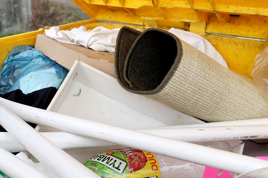 Nie jest dobrze. Kolejne kontrole śmieci potwierdzają brak prawidłowej segregacji. - fot. UM Turek
