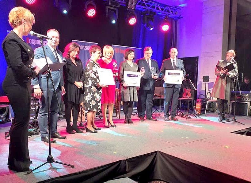 Miłośnicy Dziejów i Tradycji Regionu w Kawęczynie nagrodzeni Hitem 2019 - fot. FB Miłośnicy Dziejów i Tradycji Regionu w Kawęczynie