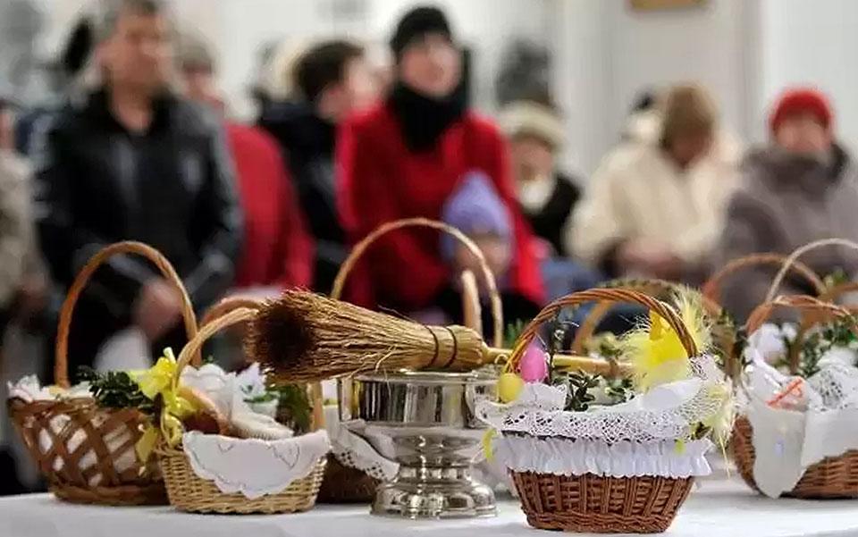 Wielkanoc bez tradycyjnego święcenia pokarmów. Diecezja wydała dekret o obchodach Świąt Wielkanocnych