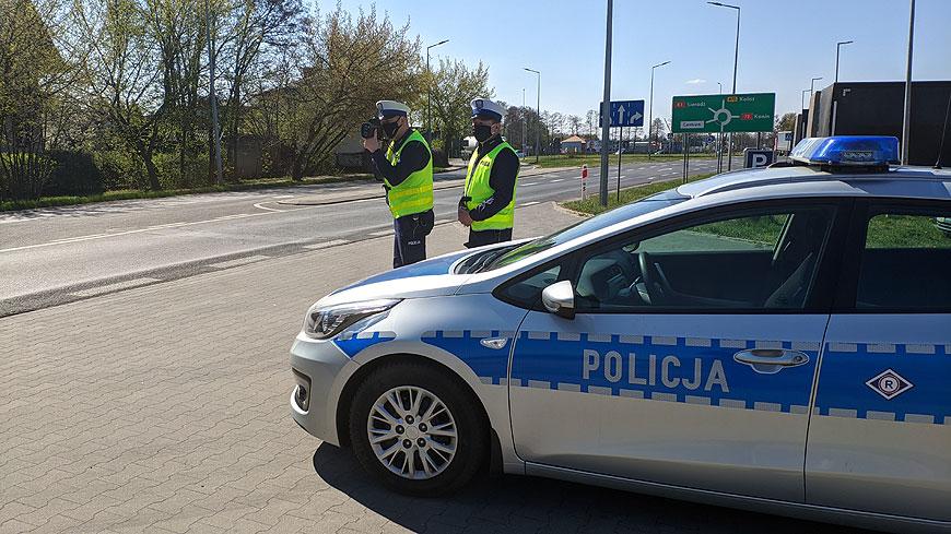 Rusza akcja Bezpieczny Weekend Majowy. Mandaty za brak maseczki w autach
