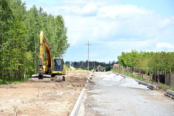 Trwa budowa drogi gminnej na Terenie...