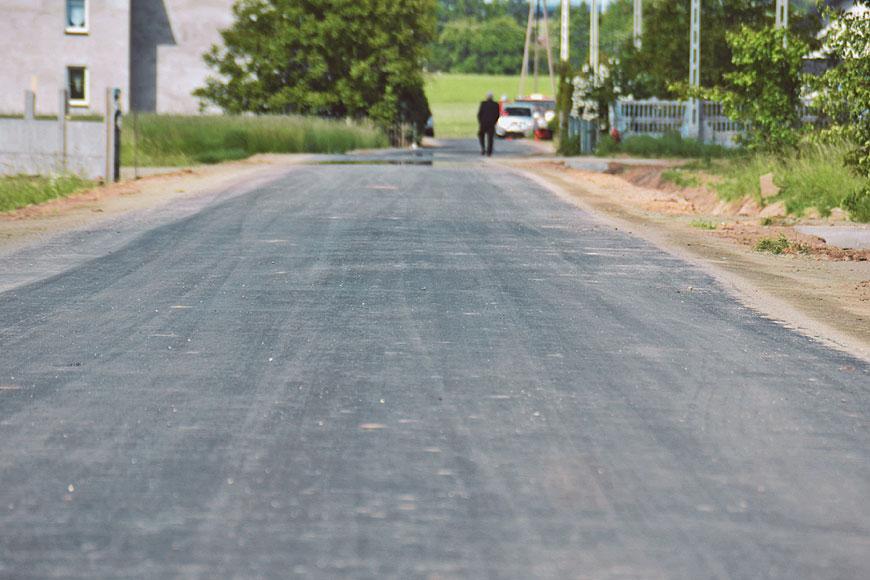 Droga w Skarżynie-Kolonii w nowej odsłonie - fot. UG Malanów