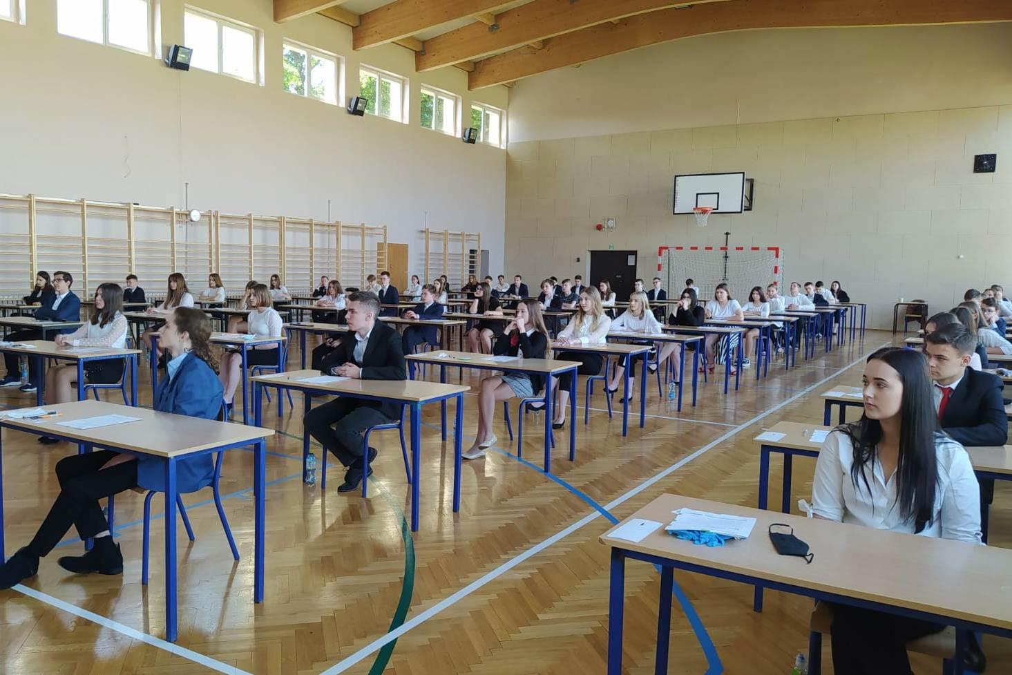 Rozpoczęły się egzaminy ósmoklasistów w szkołach w Turku