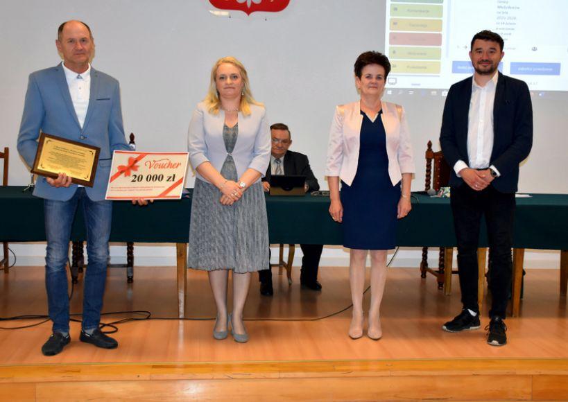 Zmiany w budżecie i życzenia dla Druhów z Wyszyny podczas XX sesji Rady Gminy Władysławów - fot. UG Władysławów