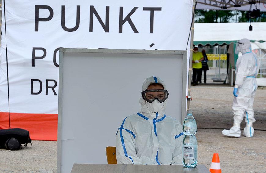 Foto: Rozpoczęto testy u pracowników Sun Garden. Od 6 lipca mieszkańcy powiatu