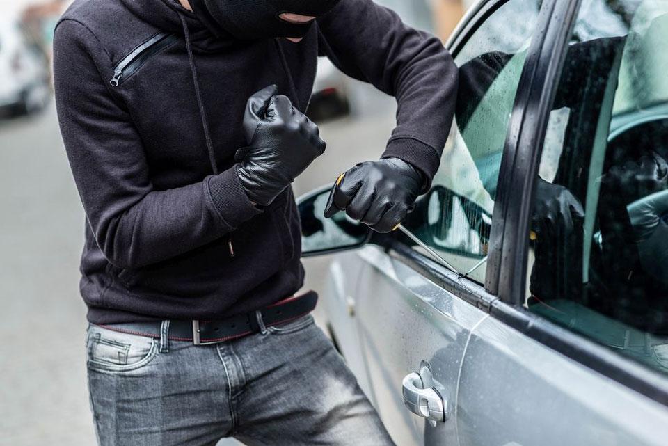 Ukradł samochód i posiadał narkotyki. 24-latkowi grozi 10 lat więzienia - Zdjęcie ilustracyjne