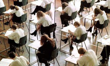 CKE podała wstępne wyniki zbiorcze egzaminów...