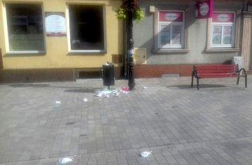 Śmieci na nowo wyremontowanej Kaliskiej....