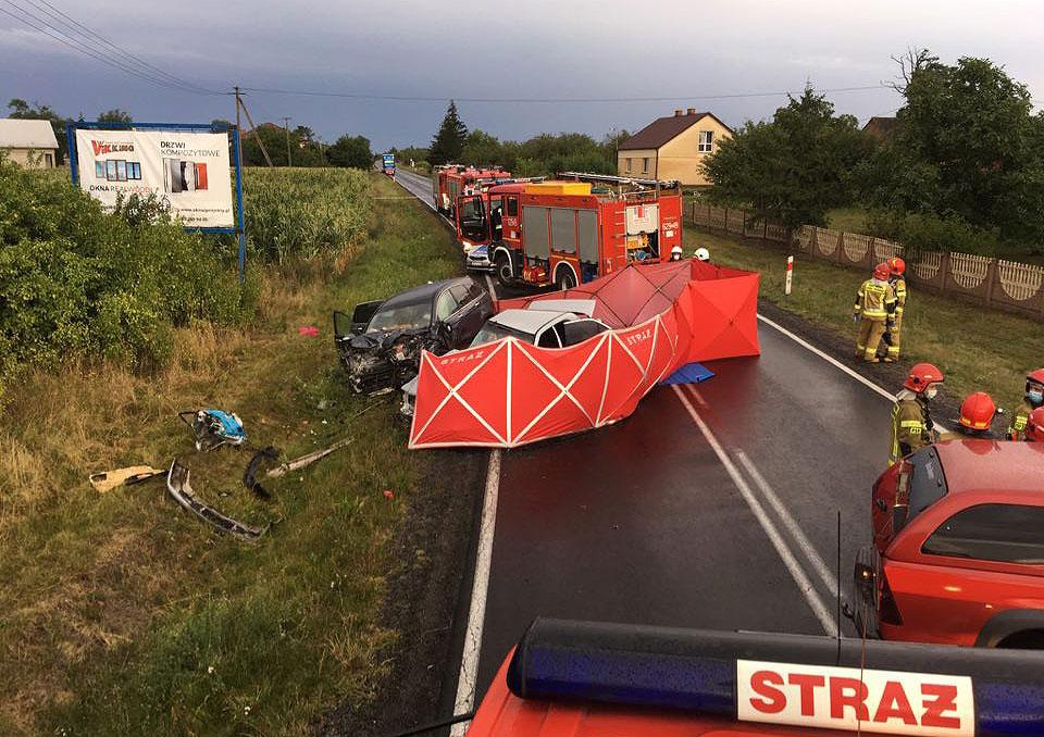 Kolejne ofiary śmiertelne sobotniego wypadku pod Tuliszkowem.  - fot. OSP Tuliszków