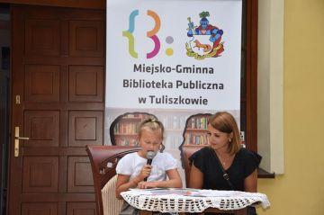 W Tuliszkowie czytali wśród drzew