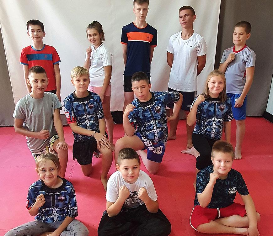 Pierwszy powiatowy egzamin Polskiego Związku Kickboxingu w klubie Striker
