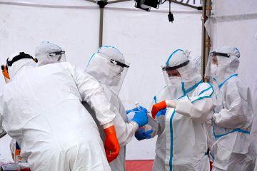 Trzy nowe pozytywne wyniki na SARS-CoV-2 u...