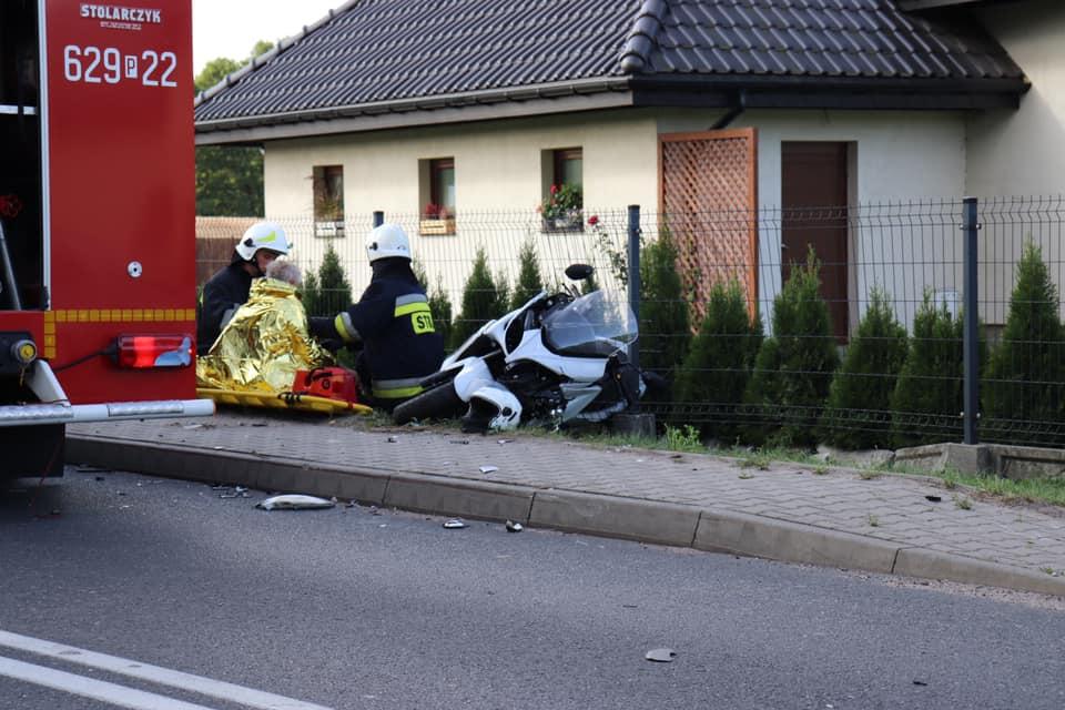 Groźny wypadek w Russocicach. Poszkodowany nietrzeźwy motocyklista - fot. OSP Władysławów
