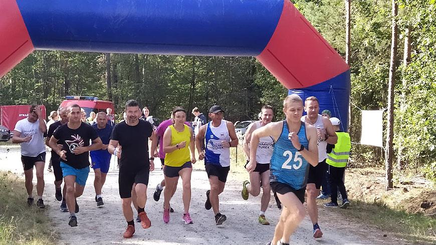 Miłośnicy biegania wsparli mieszkankę Słodkowa Kolonii.