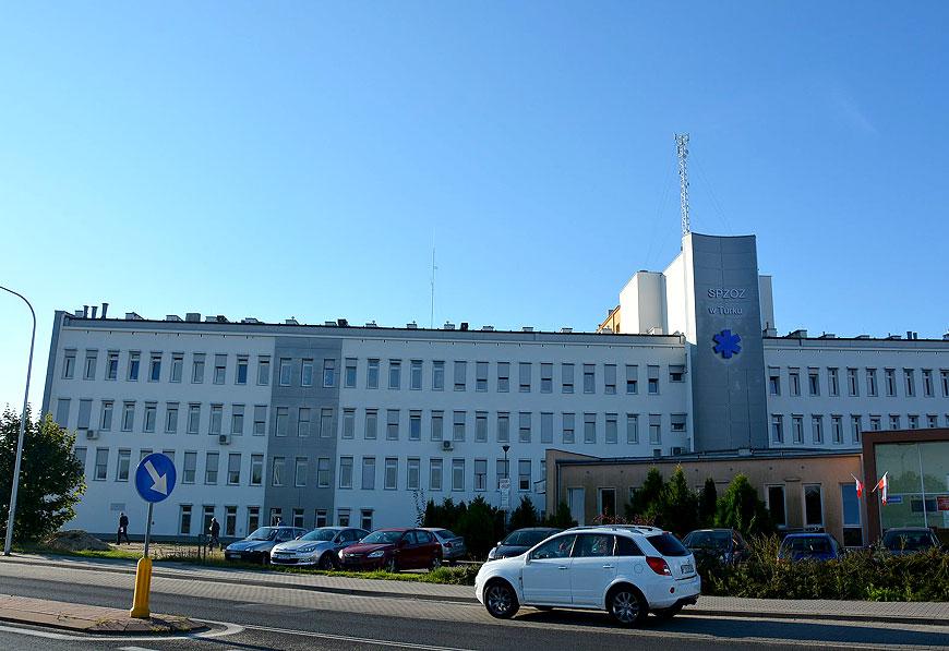 Oficjalne oddanie budynku szpitala po termomodernizacji. Koszt prac to ponad 2,3 mln zł - fot. Starostwo Powiatowe w Turku
