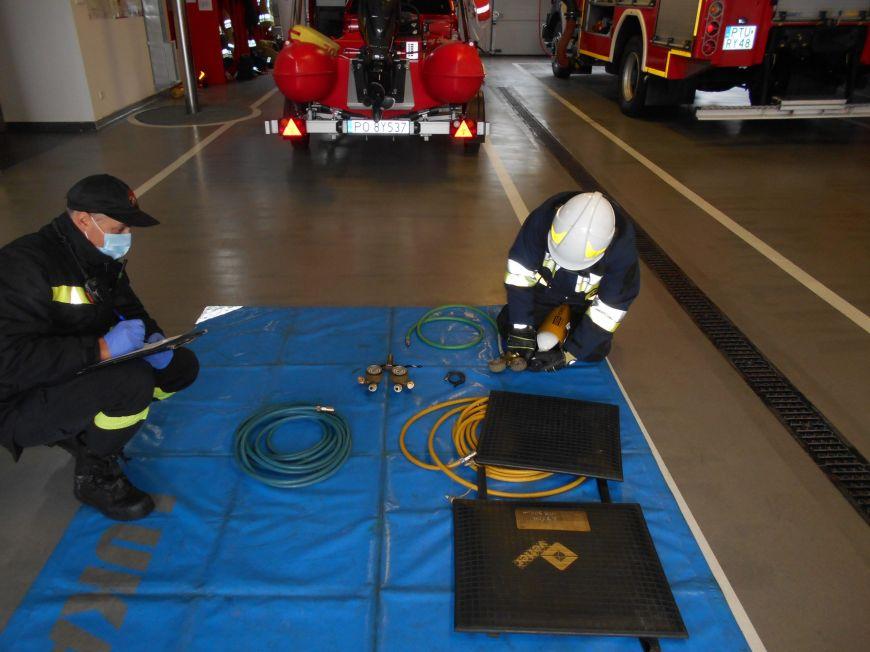 Strażacy ratownicy z jednostek OSP na kursie podstawowym w PSP