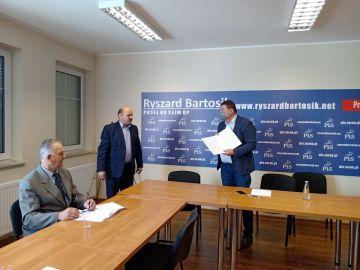 Delegacja WIR na spotkaniu u Posła Bartosika....