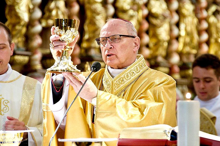 Biskup Wiesław Mering zarażony koronawirusem. Diecezja Włocławska udziela dyspensy od niedzielnych Mszy Świętych