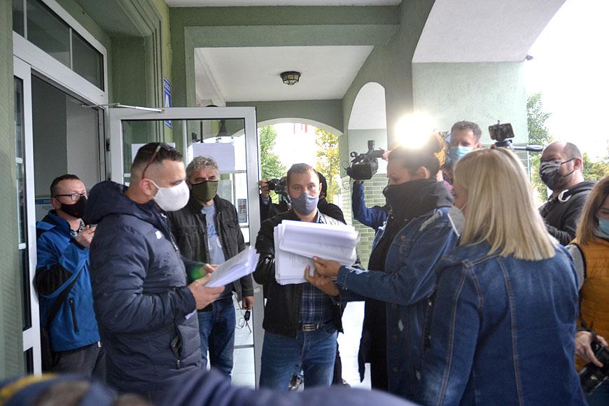 Mieszkańcy złożyli petycje przeciwko przekształceniu szpitala w Turku