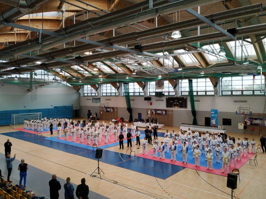 Karatecy na zawodach w Skarżysku Kamiennej