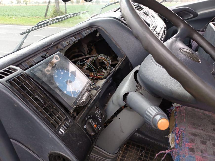 Podczas policyjnej kontroli ciężarówki. Pięć...