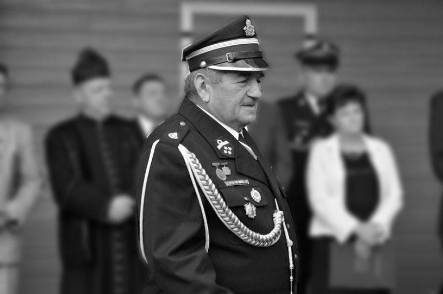 Odszedł dh Czesław Pawlak wieloletni prezes OSP Grąbków - fot. Archiwum Turek.net.pl