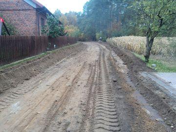 Ruszyła budowa drogi w Bibiannie. Koszt...