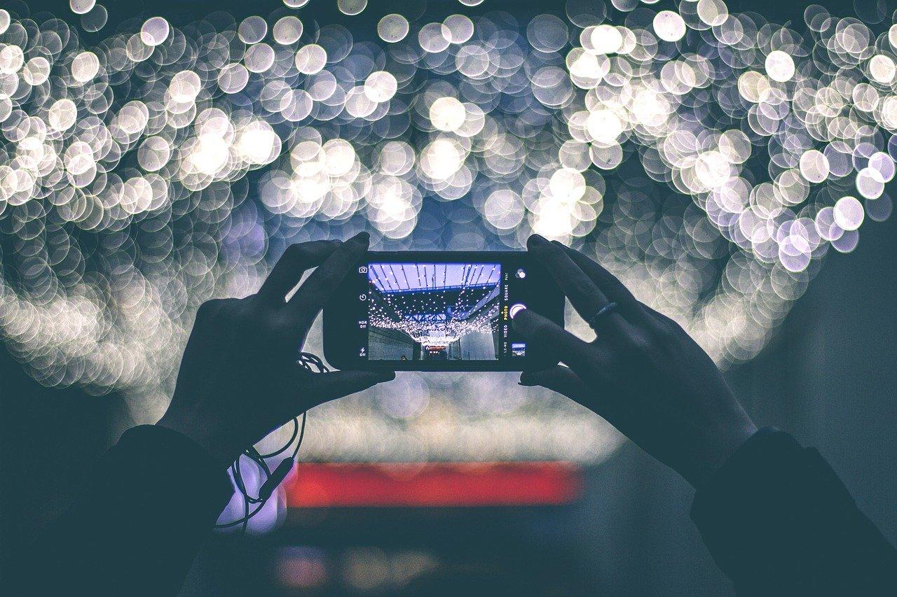 Szukasz nowego smartfona? Wybierz promocyjną ofertę na Black Friday