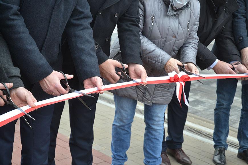 Wideo: Ulica Zdrojki Lewe oficjalnie oddana do użytku. Cieszą się mieszkańcy, cieszą się samorządowcy.